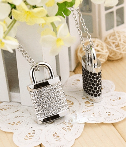 S40 Wholesale necklace jewellery 8 GB 16GB 32GB 64GB 128GB 256GB USB Lock Crystal Flash Memory Drive Stick ispread free shipping(China (Mainland))