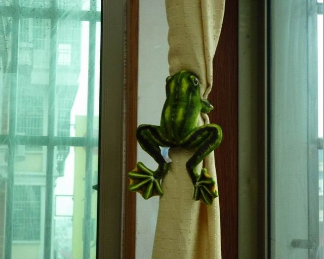 2015 Creative 30cm 4Pcs/Lot Green Flying Frog Window Curtain Hook Tieback Curtain Buckle Belt Clamp Clip Hook