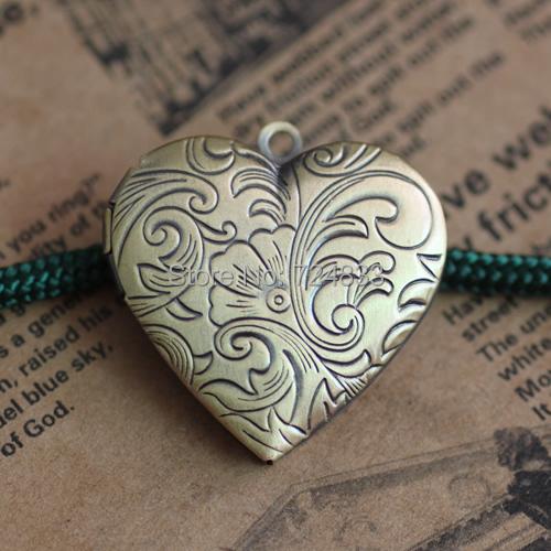 29mm Antique Bronze Brushed Openable Flower Heart Shape Wish Box Prayer Photo Locket Pendant European Charms Wholesale(China (Mainland))
