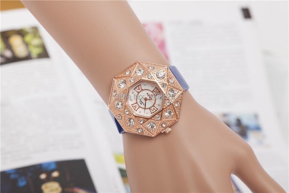 New brand quartz watch Fashion AD Watch Wrist watches Girl Leather minimalist trend of Leisure Sport