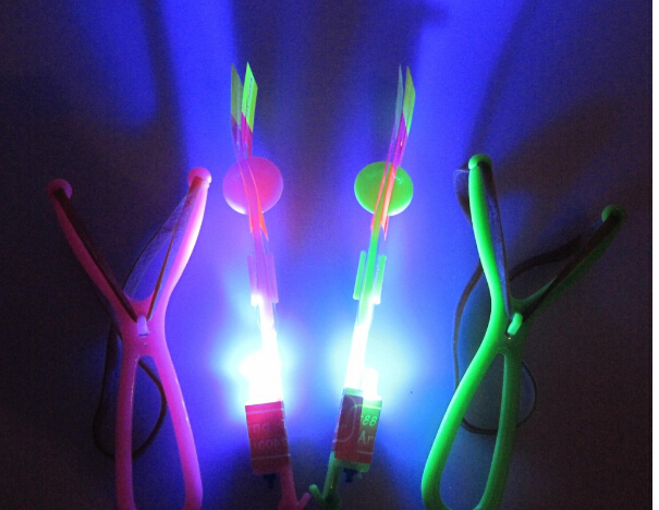 50pcs/lot Flash Copter LED Slingshot Helicopter Flare Glow Sling Arrow Shot Copter Glitter Light emitting an arrow free shipping(China (Mainland))