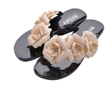 2015 New FASHION  Summer Hot Women Sandals With Beautiful Camellia Flower Sweet Flip Flops(China (Mainland))