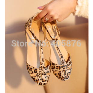 Free Shipping Leopard Print Flat Heel Womens Sandals Shoes new 2015 Summer Shoes Fashion Sandals Sweet<br><br>Aliexpress