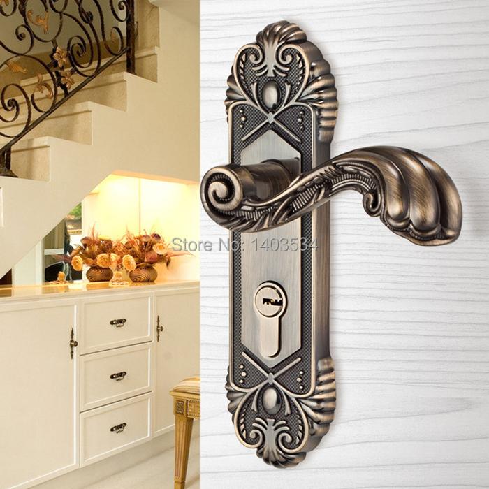 Compra cerradura de la puerta antigua online al por mayor for Cerradura para puerta de bano