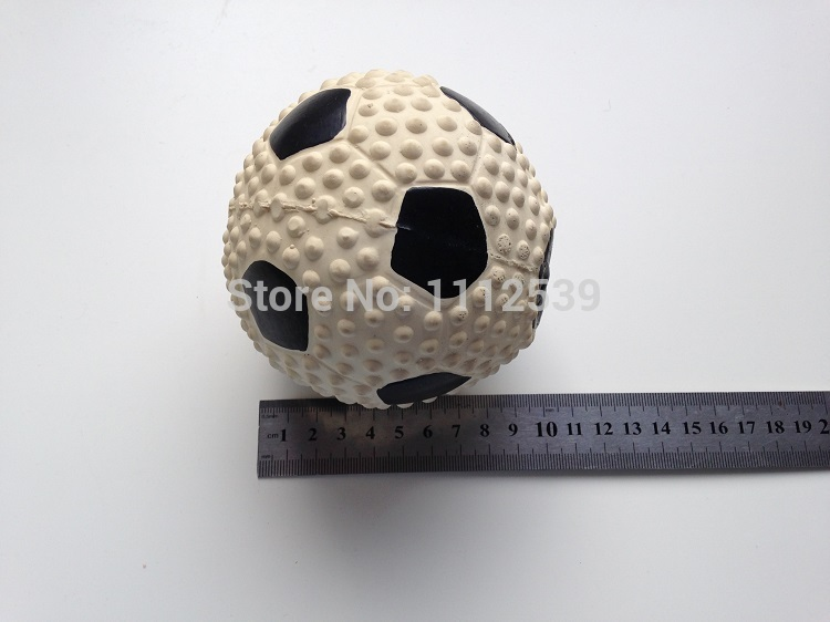 XL:10cm.Dog Large Squeaker Ball Toys. Pet Squeaky Football Soccer Rubber Toss Toy .X-LARGE .Non-Toxic(China (Mainland))