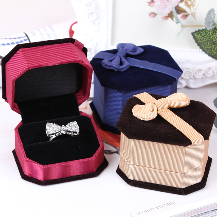 Ring packge box make a proposal gift boxes velvet wedding rings holder jewelry display stand cases factory price 6.5*5.8*4.5(China (Mainland))