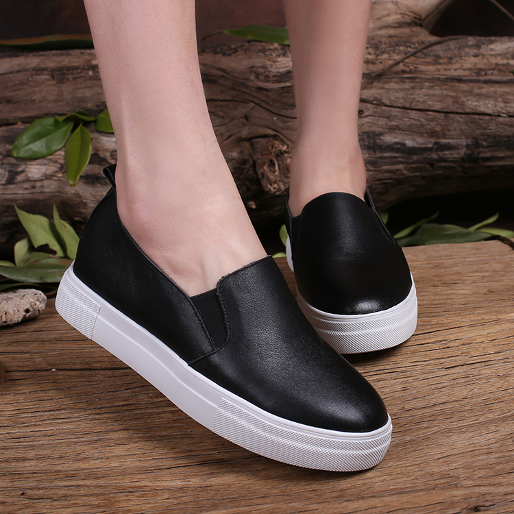 2016 Women Casual Shoes Flats Slip on Loafers Genuine Leather Shoes Fashion Classic Black Color <br><br>Aliexpress