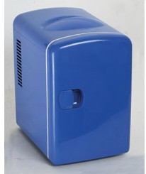 Inventory Fast Shipping Cold and hot car refrigerator car 12V4L travel car car insurance gifts universal(China (Mainland))