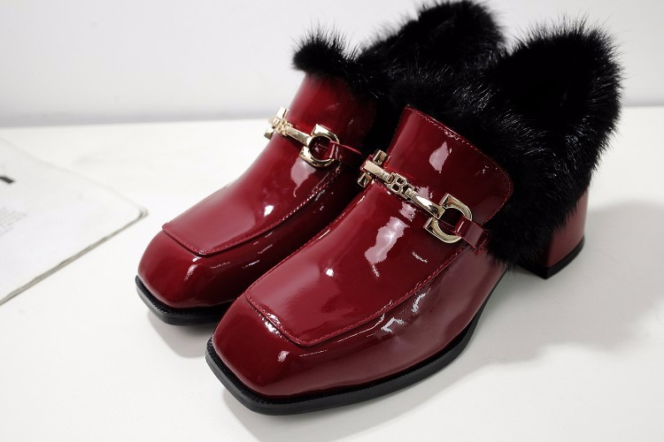 2017 Woman Pumps Patent leather Round toe High-heeled shoes Lady fashion Faux Fur Thick heels High Heels woman Single shoes