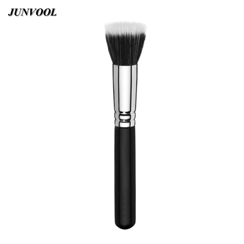 how to use a stippling brush for foundation