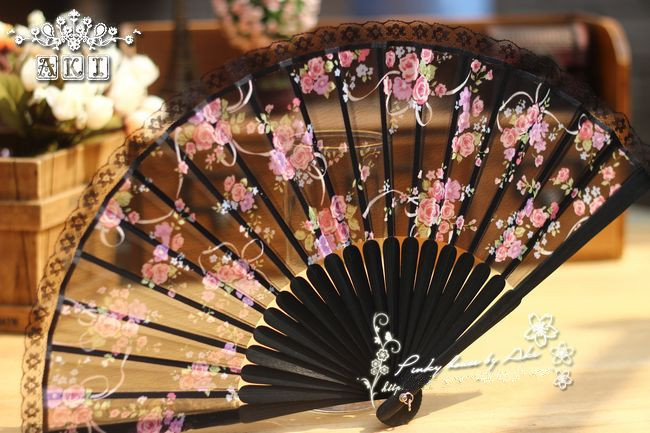 Japanese folding fan, Japan and fan sub full paint carving black cotton retro