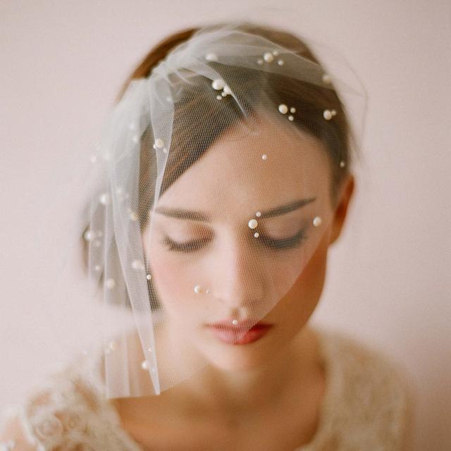Элегантный тюль перо искусственный жемчуг свадебный шляпы лица вуаль Fascinators ...
