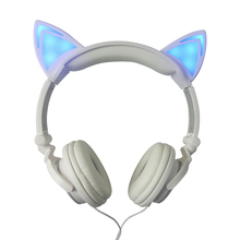 Original wired cat ear headphone folded gift headband earphone For Women LED light Cute Unique Shape headphones with Microphone(China (Mainland))