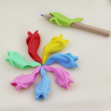 5pcs Students Pencil Hold a Pen Holding Practise Device For Correcting Pen Holder Postures Grip Learning stationery