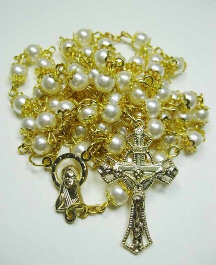 2015 new Catholic church gold imitation pearl bead jesus christ cross prayer rosary pendant necklace men and women(China (Mainland))