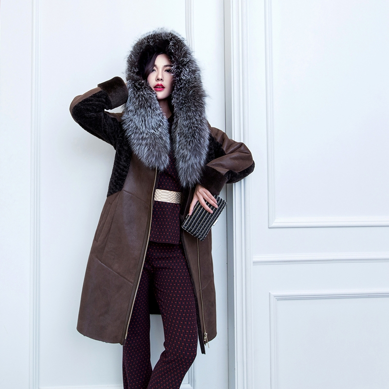Double-Faced Sheepskin Coat Silver Fox Fur Collar  Women Winter Fur Coat Parka Wholesale Retail Buy One Get One Free AJ-JSX11Одежда и ак�е��уары<br><br><br>Aliexpress