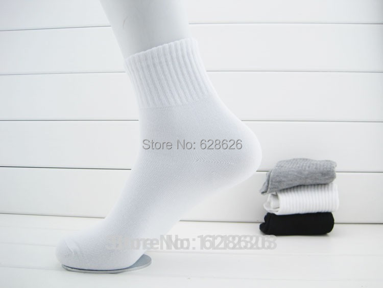 HOT SALE!!!New Men The Factory Price Free shipping (12pcs=6pairs/lot) Cotton Blend elastic Sport Socks For Football basketball(China (Mainland))