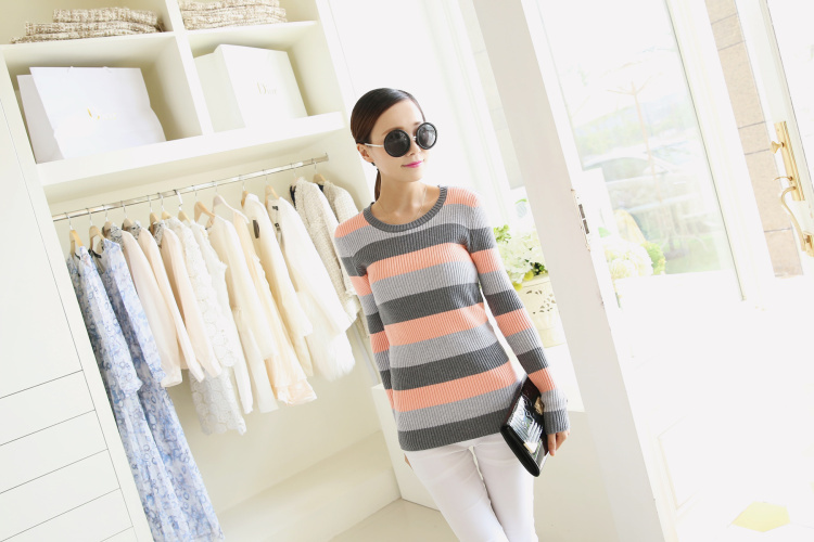 new winter 2014 Free Size Style Women Sweater Coat Pullover Long Sleeve O Neck Kintted Sweater(China (Mainland))