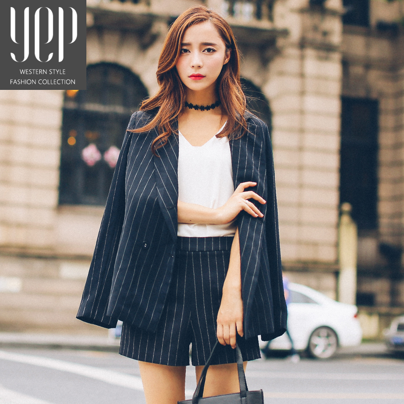 autumn-ladies-black-and-white-vertical-striped-blazer-and-shorts-set-women-blazer-suit-jacket-short.jpg