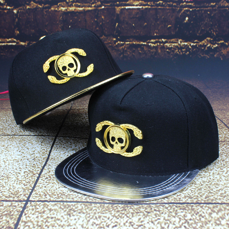 2015 new European and American style wind skull rivet hip hop hat hip hop along the sun hat(China (Mainland))