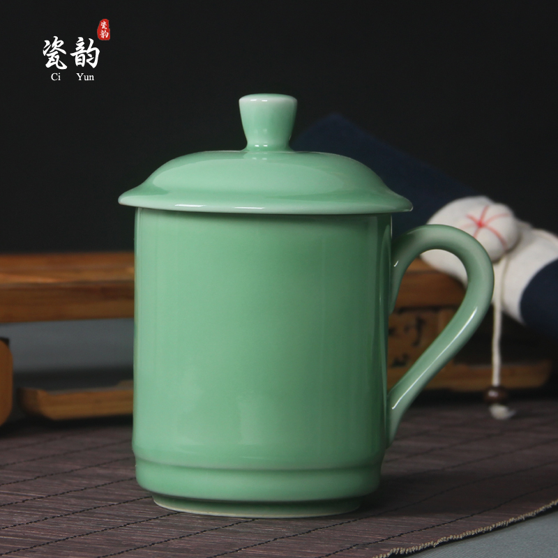 celadon tea set Large cup with lid and handgrip ceramic cups blue and white porcelain cute mug coffee cup tumbler for digt(China (Mainland))