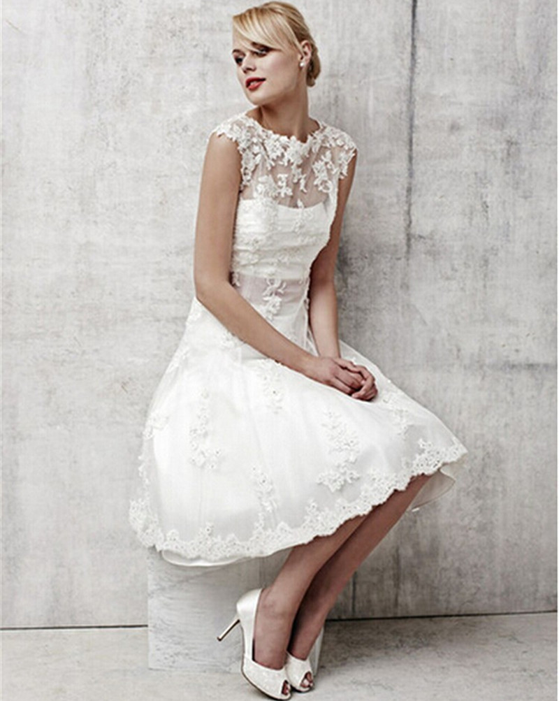 Vintage white lace bridal dresses short wedding dress 2015 for Wedding dress ideas for short brides