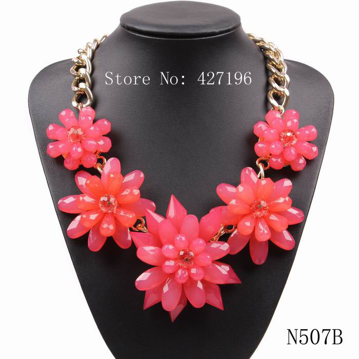 2016 New arrival factory direct sale high quality exquisite luxury jewellery gold chain acrylic large flower necklace for girls(China (Mainland))