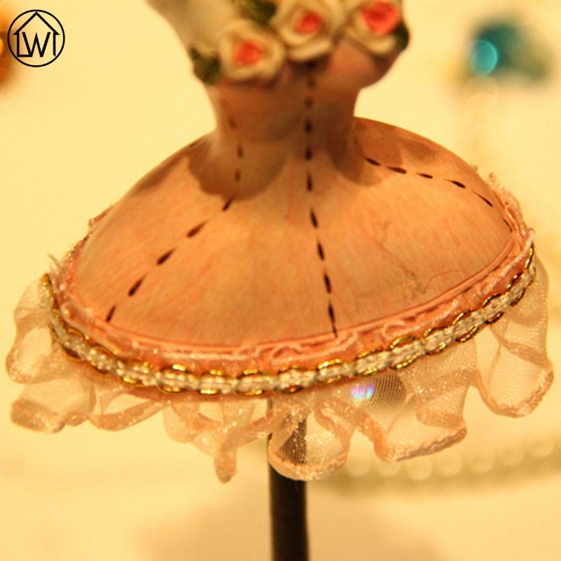 Princess Lace Shirt Metal Jewelry Display Stand Necklac Showing Rack Earring Hanging Holder Bracelet Shelf ZAKKA Decoration Gift