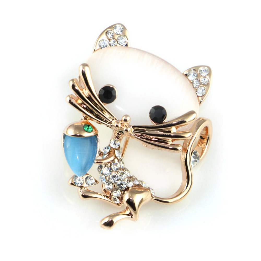 2015New Design Free shipping golden Plated Austria Crystal Sweet Cat catch fish brooches pins for Sweater cartoon black eye gato(China (Mainland))
