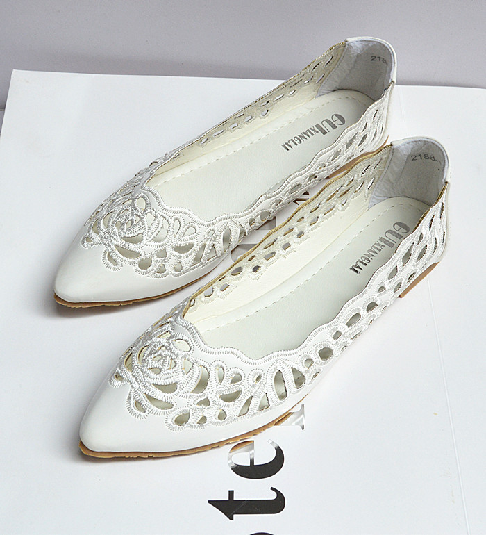 A new summer fashion sweet Korean hollow shallow mouth solid pointed shoes 2188 1 students