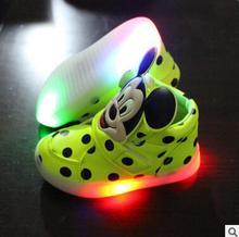 Niños zapatos casuales 2016 moda niños niñas deporte zapatos de bebé llevó la luz de zapatillas de deporte luminosos Flasher bebé Boot envío gratis(China (Mainland))