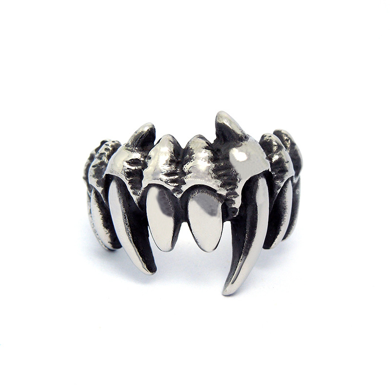 Hot Selling Men's Titanium Steel Punk Claws Ring Casual Trendy Masculinos Accessories(China (Mainland))