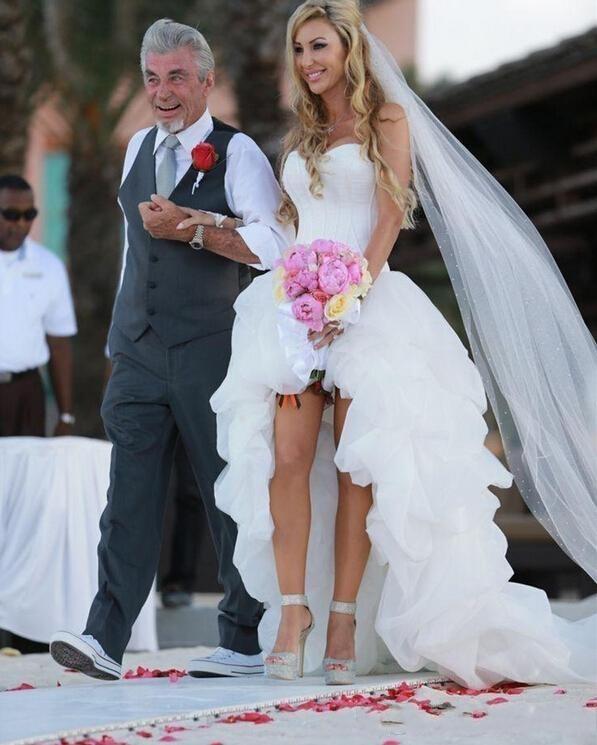 wedding dress pussy