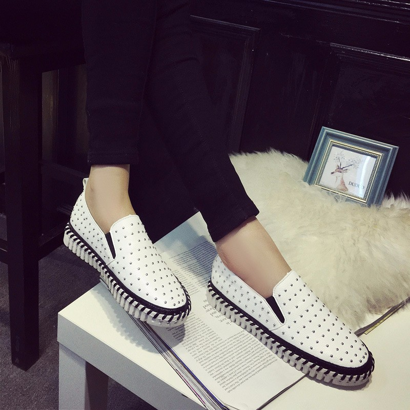 2016 New Spring Summer Fashion Flat Women Loafers Shoes Platform A Pedal Lazy Rivets Female Single Shoes Black White Z4.5