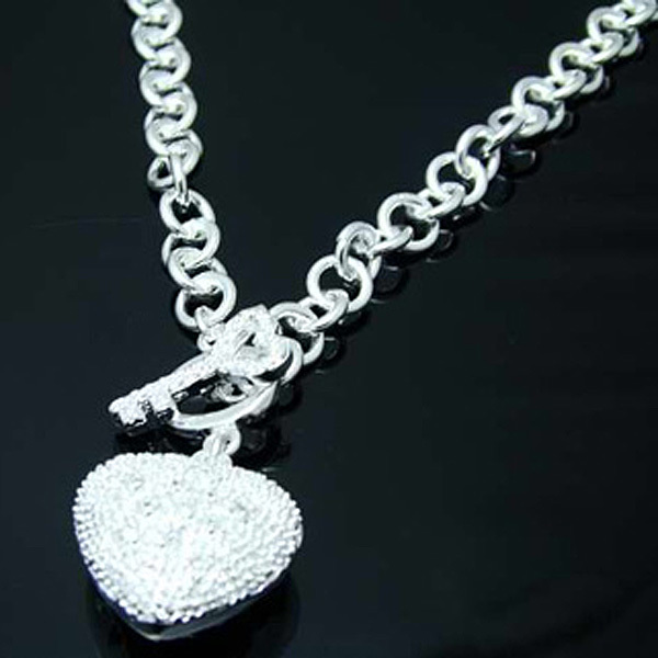 WN138 Free shipping Silver Heart Charm Necklace/ Wholesale Price Fashion Jewelry , Factory Price silver plated necklaces(China (Mainland))
