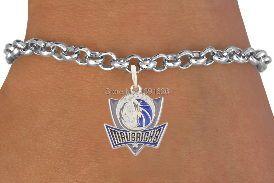 Wholesale 30 pcs vintage zinc alloy antique silver plated Dallas Mavericks basketball Logo pendant bracelets(China (Mainland))