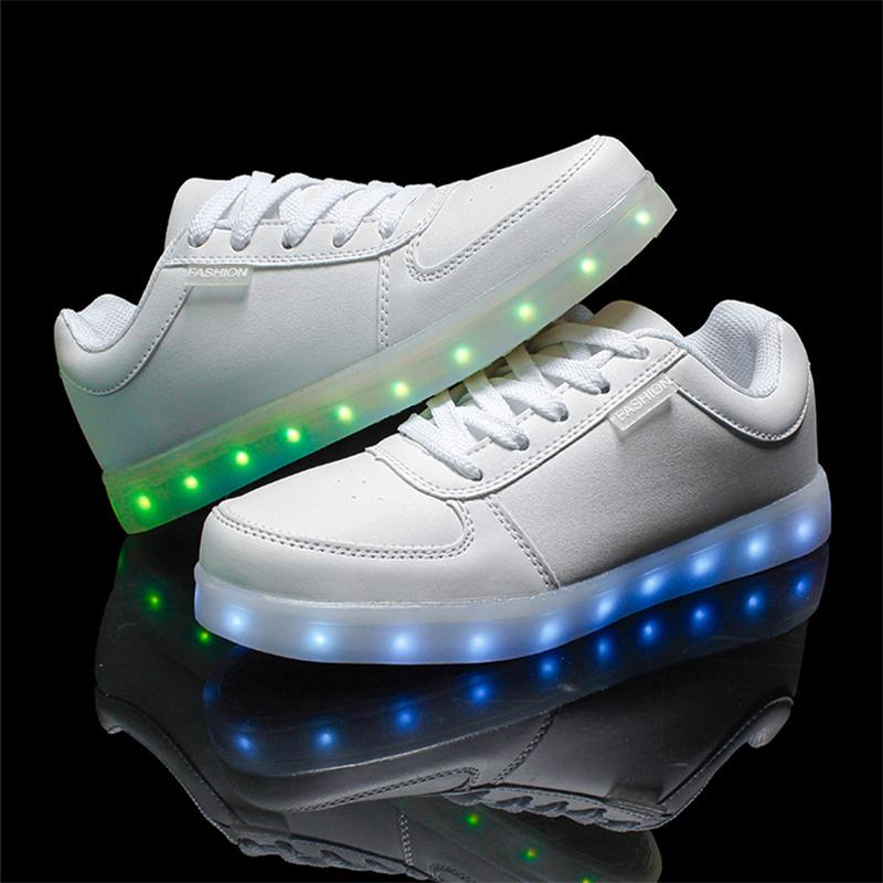 Гаджет  2015 women lights up led luminous shoes colorful glowing casual shoes with new simulation sole charge for men adults neon basket None Обувь