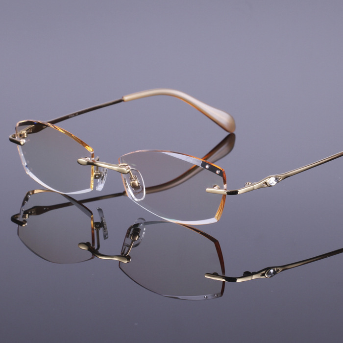 eye glasses frames Diamond cutting edges Ladies section ...