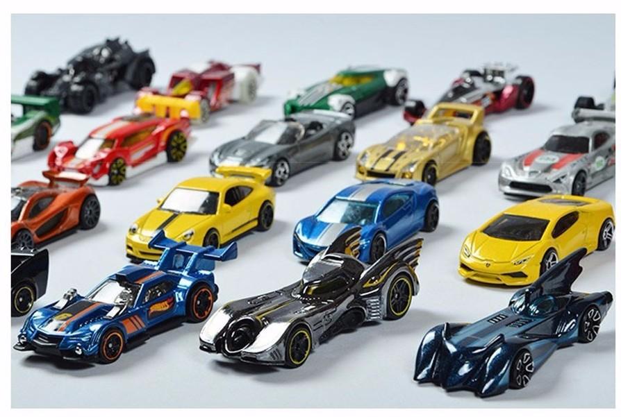 10 automobiles/lot 100% Hotwheels Vehicles C4982 Random Unique race automobiles scale fashions mini 1:64 alloy automobiles toy for boys passion assortment