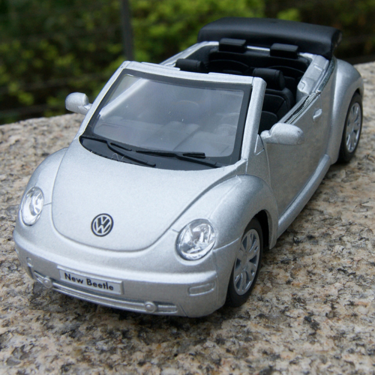 Hot sale 1pc 12cm volkswagen beetle cabriolet alloy car model free shipping(China (Mainland))