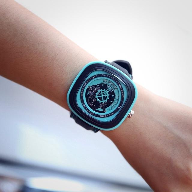 Zegarek damski prostokątna tarcza nietypowy design różne kolory