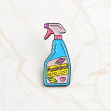 Feminis Pin Koleksi ~ Feminisme Perhiasan Lucu Cute Pink Blue Anti Remover Spray Enamel Pin Lencana Brooche(China)