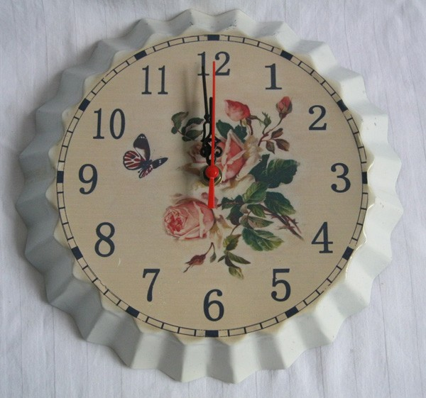Antique style white wall clock metal living room decoration(China (Mainland))