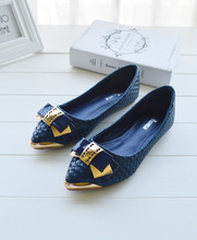 The new flat pointed bow shoes shoes casual shoes on behalf of a gold buckle