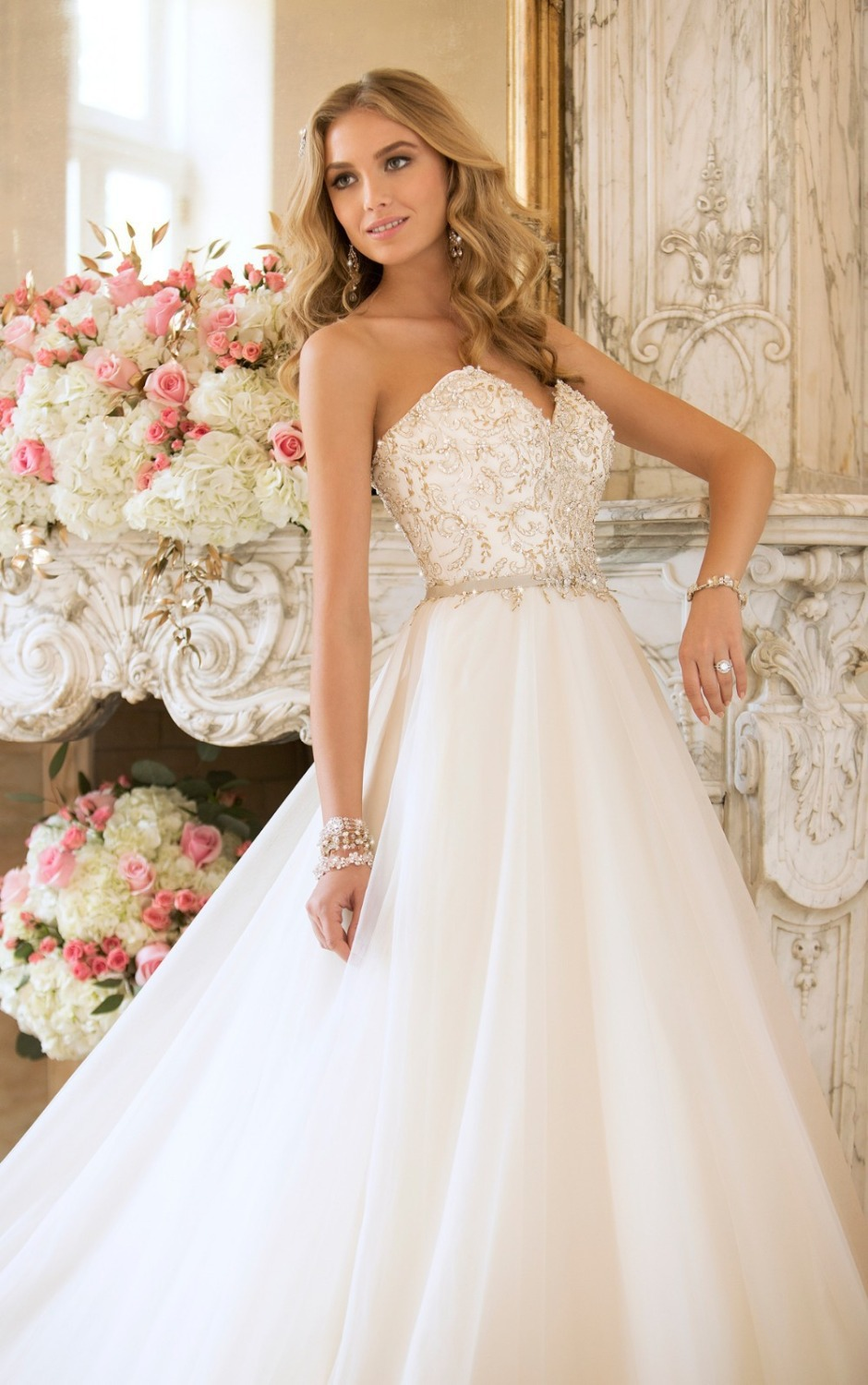 Say your vows in something that wows like one of the beautiful ball gown wedding dresses from Stella York(China (Mainland))