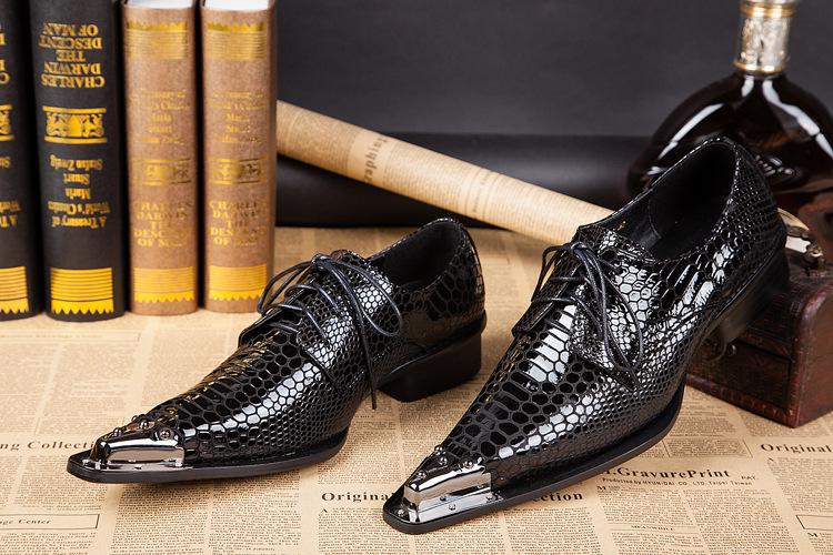 Men Genuine Leather Personalized Iron Pointed Toe Shoes Male Shoes Business Casual Increased Height Shoes Handmade Shoes(China (Mainland))