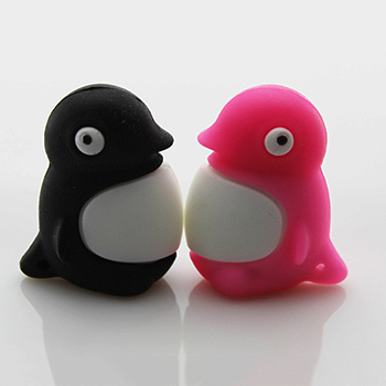Retail genuine usb flash drive 4gb 8gb 16gb 32gb soft silicone pendrives penguin shaped usb drive pen drive cartoon(China (Mainland))