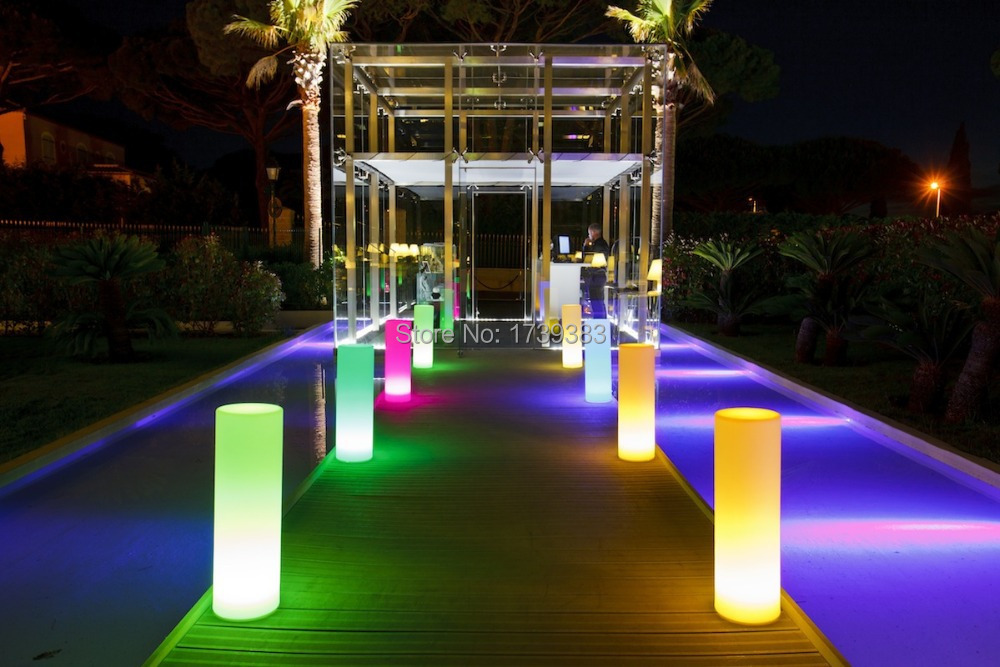 Led tower pillar medium cylinder floor lamp outdoor for Small landscape lights
