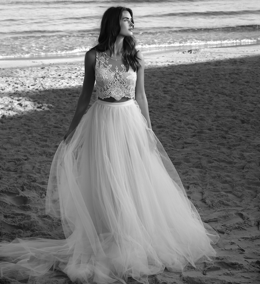 Stunning 2016 two piece beach wedding dress tulle bridal for Cheap beach wedding dress