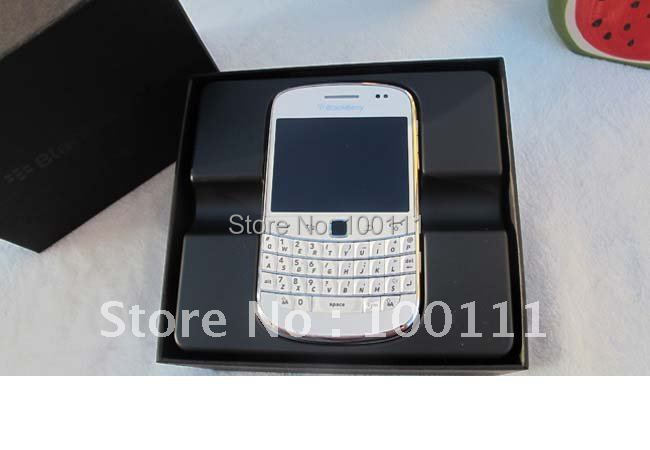 White blackberry 9900,unlocked 3g phone,QWERTY phones +touch screen 2.8inch,WiFi,GPS,5.0MP camera ,free shinpping(Hong Kong)